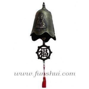 Фън Шуй камбанка с Куан Ин (Богиня на Милосърдието) и символа за Мир